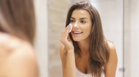 Here's how you can undo the effects of party make-up before your skin getstired