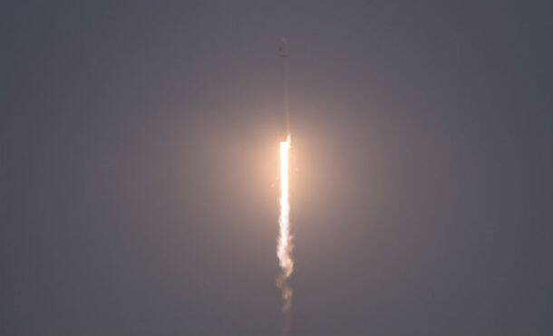 SpaceX, SpaceX Falcon 9, Falcon 9 rocket, Falcon 9 rocket landing, Falcon 9 landing video, video of Falcon 9 landing, SpaceX Tesla, SpaceX Elon Musk, Elon Musk Falcon 9 landing, Falcon 9 pictures