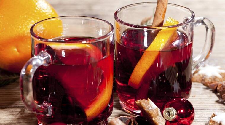 Hot and spicy mulled red wine with orange and cinnamon. (Source: Thinkstock)