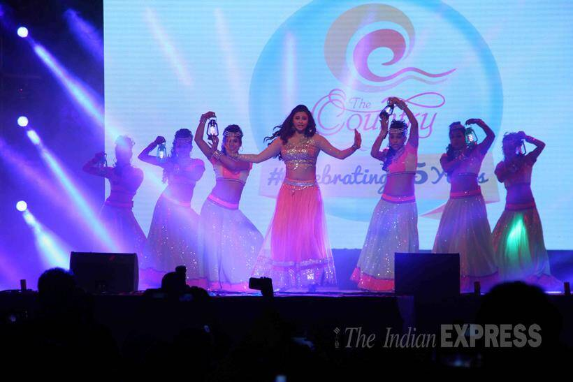 Daisy Shah, Country Club, New Year bash 2016, New Year bash, Asia's Biggest New Year Bash 2016, entertainment photos