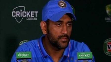 Dhoni says Australian bowlers executed their planswell