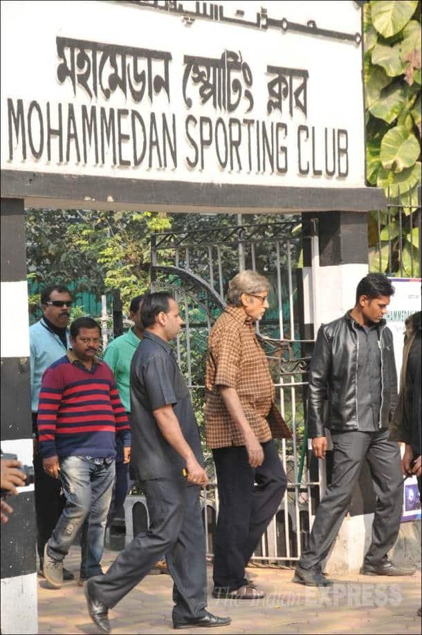 amitabh bachchan, big b, amitabh bachchan football, amitabh bachchan pics, entertainment