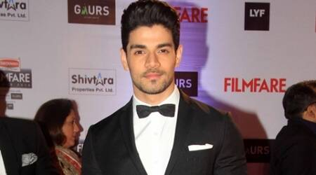 Sooraj Pancholi wins Best Debut Award, thanks fans for support