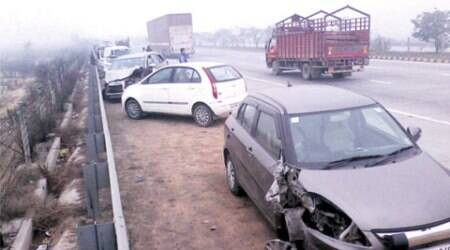 1 dead, 22 injured in pile-up on Yamuna Expressway