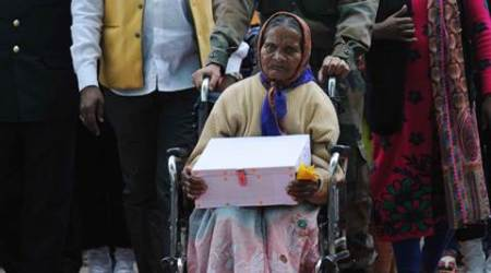 Jharkhand: 44 years later, wife brings home soil from '71 war hero'sgrave