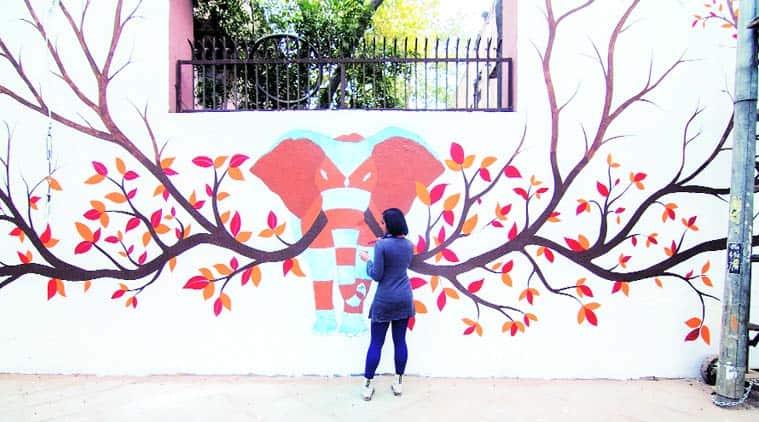 Gond artist Rakesh Kumar's mural