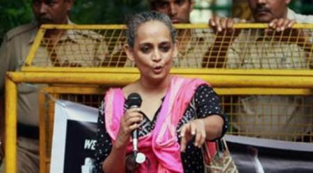 SC refuses to stay contempt notice of HC against ArundhatiRoy