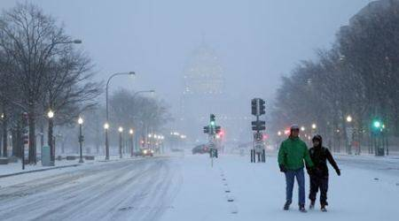 US East Coast paralysed by monster snowstorm, 18 reporteddead