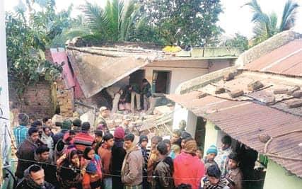 Brothers of Trinamool leader die in crude bomb blast inBirbhum