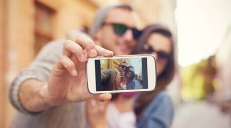 couple selfie thinkstock 3