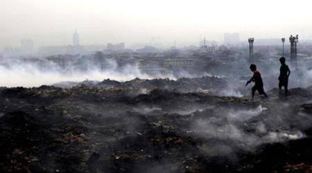 Deonar dumping ground fire: Second day in a row, smog coversMumbai