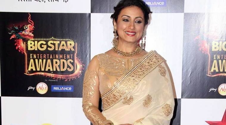 Divya Dutta, Divya Dutta Films, divya dutta proposal, divya dutta fan propsal, divya dutta fan marriage proposal, Divya dutta twitter marriage propsal, Divya Dutta Plays Prostitute, Divya Dutta Chalk n Duster, Entertainment news, viral news, latest news