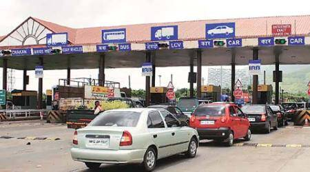 Pune-mumbai expressway: Toll collectors under-report traffic by 50%, says city NGO