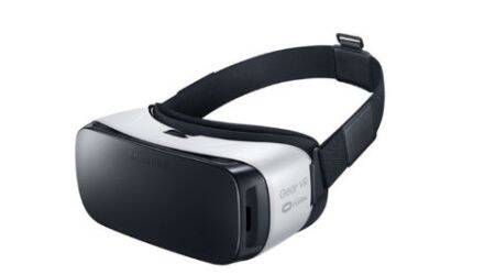 Samsung, Samsung Gear VR, Samsung Gear VR launch, Samsung Gear VR price, Samsung Gear VR features, Samsung Gear VR specs, Samsung Gear S2 launch, Samsung Gear S2 price, Samsung Gear S2 specs, Samsung Gear S2 features, virtual reality, Oculus, 3D, technology, technology news