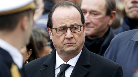 francois hollande, french president francois hollande, hollande in india, hollande visits india, dassault officials with hollande, DCNS officials with hollande in india, rafale deal, rafale fighter aircraft deal, india deal with france, IG airport welcomes hollande, india news