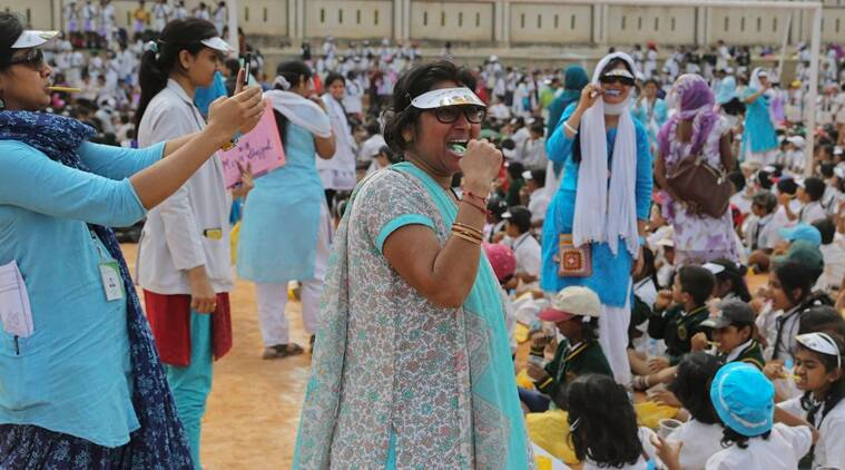 brushing teeth record,  world record, brushing new record, world records by india,  Guinness Book of World Records, bangalore kids brushing, bangalore news, india news