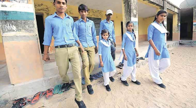 jalore, jalore schools, jalore school shoes, shoes distributed in school, jalore news, school distributes shoes, rajasthan news, india news
