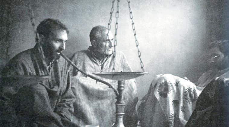 arts of kashmir, book on arts of kashmir, Ghulam Rasool, Qamoos Bukhari, photographer Qamoos Bukhari, book, talk