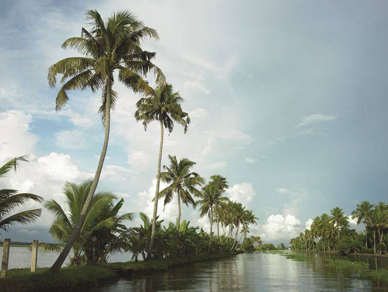 kerala_aleppey backwaters_759_keralatourism