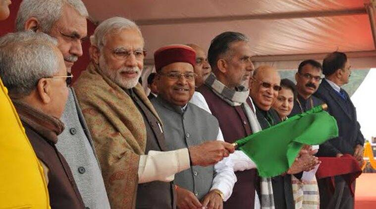 PM Narendra Modi flagging off the Mahamana Express train from Varanasi (Twitter/PIB)