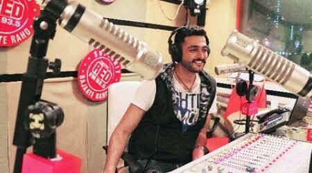 I connect to listeners on personal level, they shed their day's baggage, so do I: Mumbai's Red FM RJ Nasar Khan