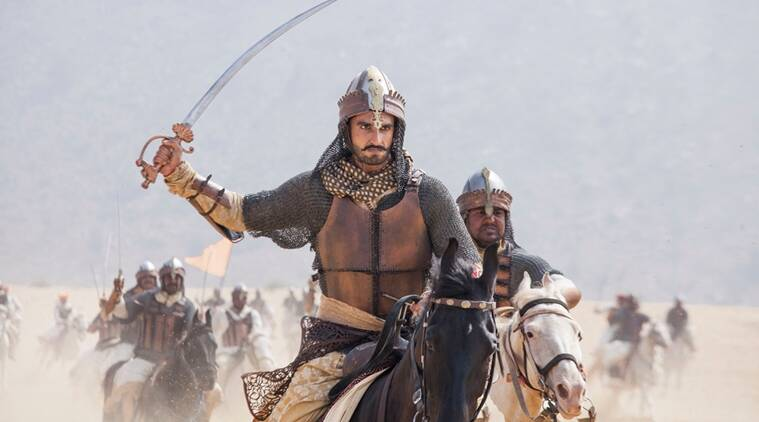 I want filmmakers to believe that I can fit into any mould they create :   Ranveer Singh, Actor