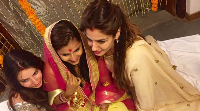 raveena tandon, chhaya tandon, chhaya tandon wedding, raveena tandon chhaya tandon, raveena tandon adopted daughter, raveena tandon younger daughter, chhaya tandon marraige, entertainment news