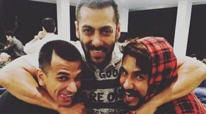 bigg boss, bigg boss 9, bigg boss party, salman khan, salman khan party, salman khan bigg boss party, prince narula, prince narula bigg boss party, suyyash rai, kishwer merchant, rochelle rao, keith seqeira, rishabh sinha, gizele thankral, bigg boss 9 party, bigg boss party salman, salman khan bigg boss party pics, bigg boss party pics, entertainment