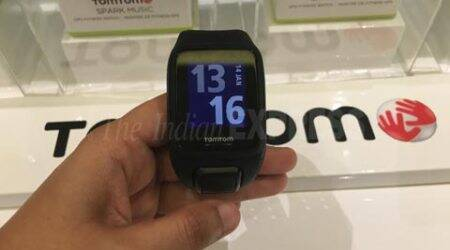 TomTom Spark Music GPS Fitness Watch comes Bluetooth headphones