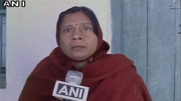 Woman beats up mother, Woman mother fight video, Video woman mother fight, Woman mother in law fight, Bijnor woman mother in law, woman beat up mother in law, Bijnor woman fight