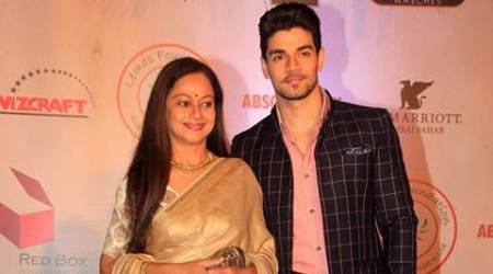 Zarina Wahab to feature in music video on motherhood