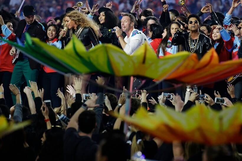 Super Bowl, Beyonce, Bruno Mars, Coldplay, Chis Martin