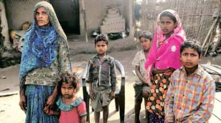 Girl hit for asking more of mid-day meal, father killed forprotesting