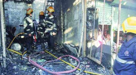 Mumbai: 3 of Vikhroli family die in cylinder blast