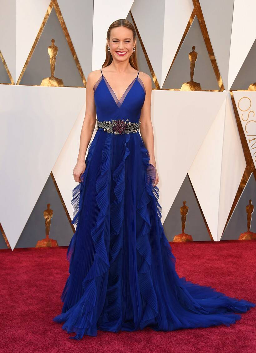 oscars 2016, oscars winners, winners at oscars, oscars winner list, Oscars 2016 - Brie Larson wins Best Actress for Room - Brie Larson in a beautiful blue gown - image-picture
