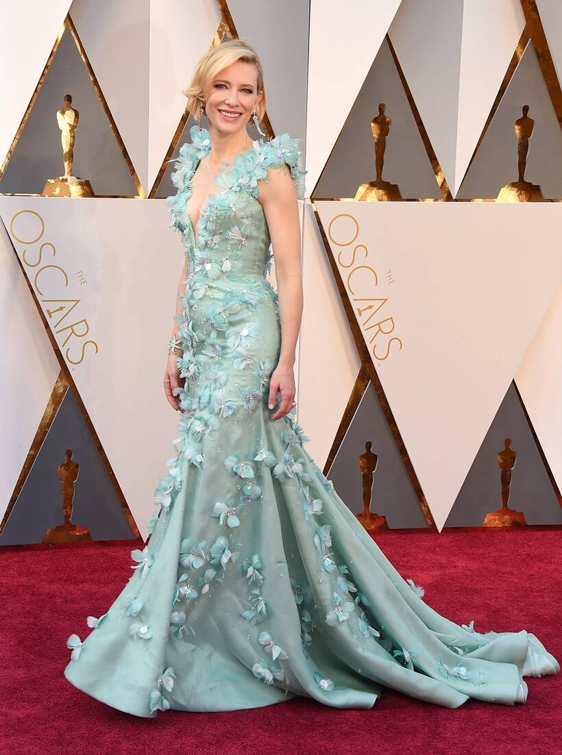 Our 15 Favourite Oscar Dresses of All Time! | Wedded Wonderland