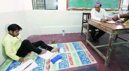 Remarkable 'feet': He lost hands but not will to take HSC exam