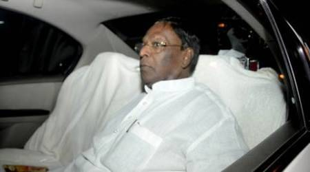 Puducherry: Narayanasamy wants to be CM, Congress divided