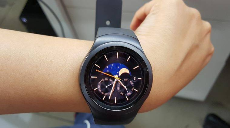 Samsung Gear S2, Gear S2, Gear S2 review, Gear S2 smartwatch, Gear S2 price, Gear S2 full review, Samsung Gear S2, Tizen OS, Gear S2 health tracker, Gear S2 vs Moto 360