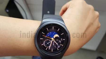 Samsung Gear S2, Gear S2, Gear S2 review, Gear S2 smartwatch, Gear S2 price, Gear S2 full review, Samsung Gear S2, Tizen OS, Gear S2 health tracker, Gear S2 vs Moto 360