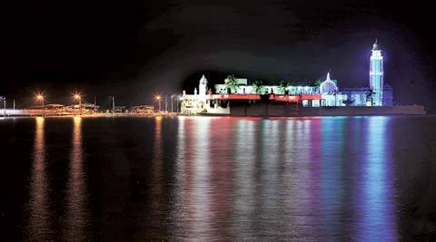 Haji Ali, Women Entry, Sabrimala temple, Shani Shingnapur, women empowerment, gender equality, Bomba high Court, mumbai, sanctum sanctorum, Islam