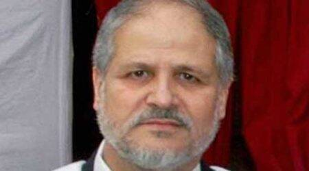 L-G Najeeb Jung asks senior police officer to look into issues of Kashmiri students
