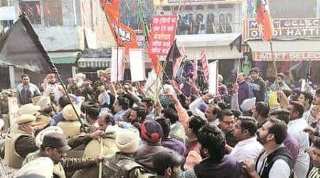 BJP protests 'anti-national' Kejriwal's Batalavisit