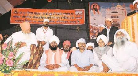 Varanasi: On 'religious visit', Kejriwal's cavalcade attacked by BJP, saysAAP