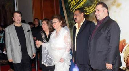 Raj Kapoor, Krishna Raj Kapoor, Raj Kapoor wife, Krishna Raj Kapoor hospitalised, Raj Kapoor wife hospitalised, entertainment news