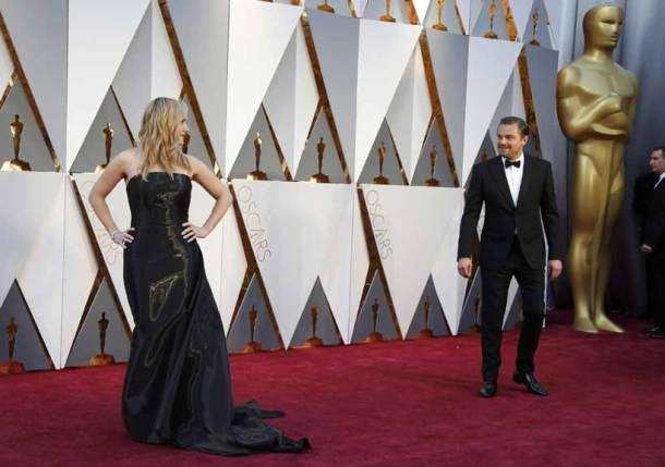 oscars 2016, Leonardo Dicaprio, kate winslet, leonardo, oscars, leonardo kate pics, leonardo dicaprio kate winslet pics, leonardo red carpet, kate winslet red carpet, leonardo oscars 2016, kate winslet oscars 2016, the academy, entertainment