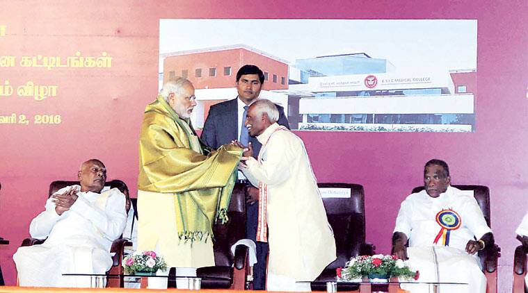 Modi with MoS Bandaru Dattatreya in Coimbatore. (Source: PTI)