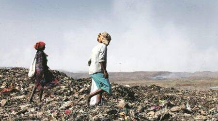 Police chief Datta Padsalgikar orders independent inquiry of Deonar dumping ground fire