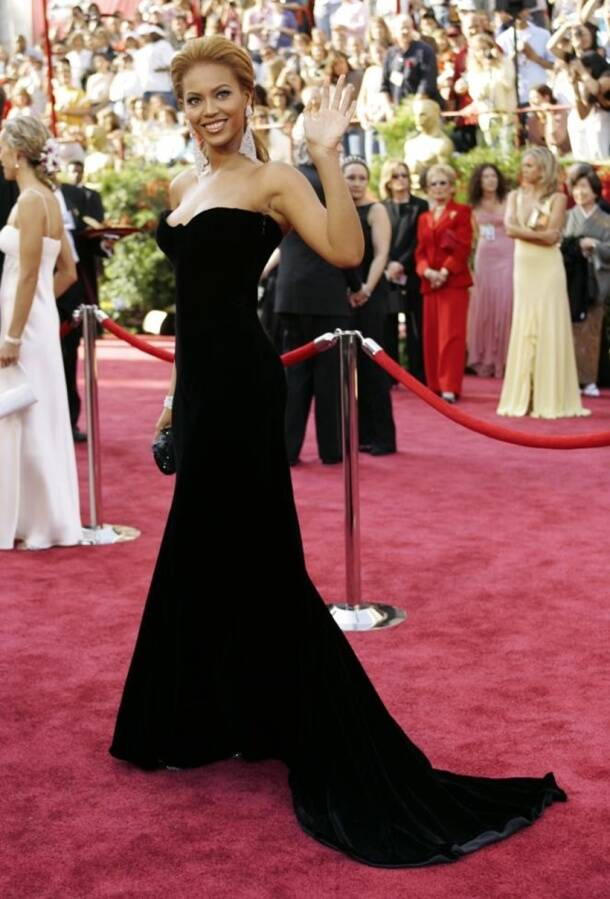 Singer and actress Beyonce waves as she arrives at the 77th Academy Awards.