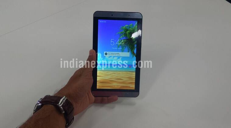 iBall Slide Gorgeo 4GL is conceived as a smartphone with giant screen than a tablet